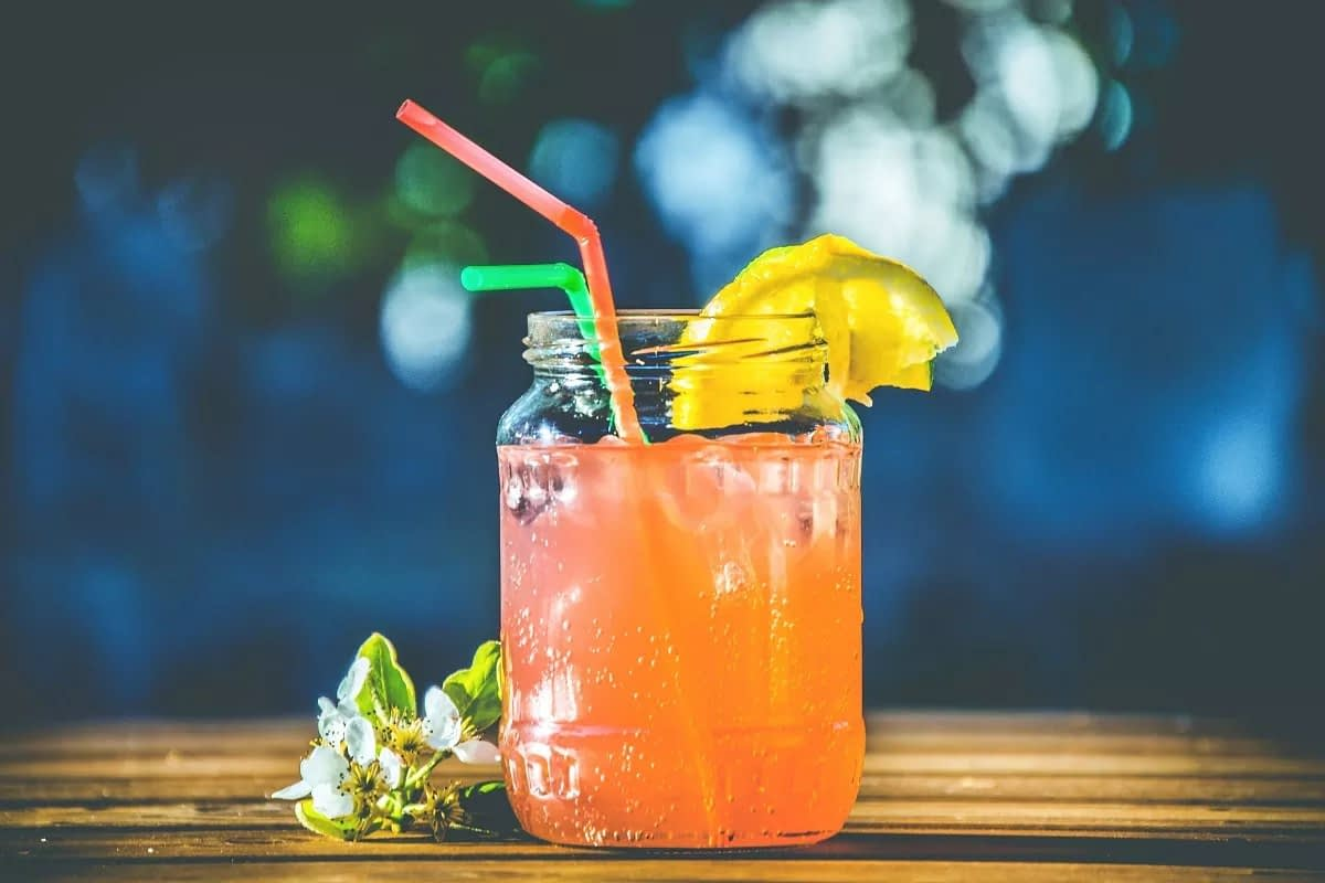8 benefits of using only reusable straws